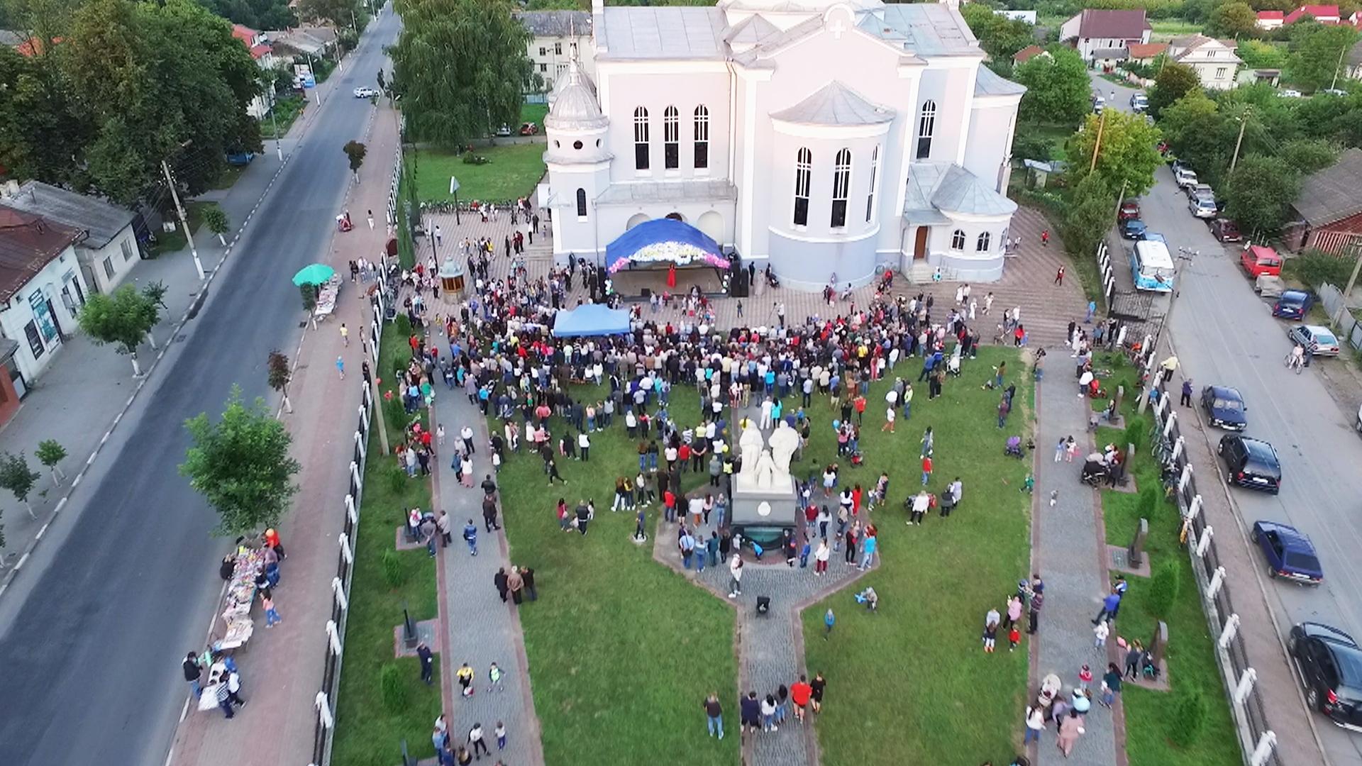 На Коломийщині відбувся благодійний фестиваль для онкохворих дітей (відеосюжет)